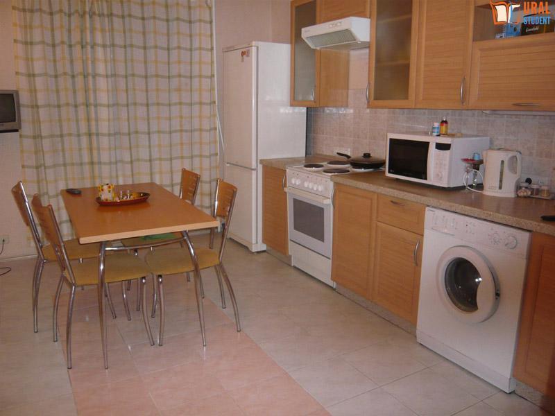 Сдается двухкомнатная квартира в аренду посуточно в Тюмени по адресу