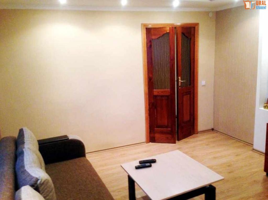 недвижимость екатеринбург авито 2-х комнатные для кого-то