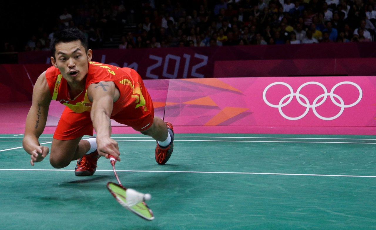 faults in badminton The main laws of badminton at a glance what is the playing field of, where the service is made, how is  when serving, it is considered a fault, when the shuttle: is caught in the net and remains.